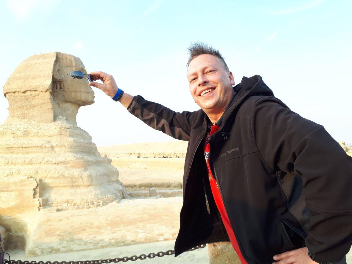 Ausflug von  Makadi Bay/Sahl Hasheesh nach  kairo Pyramiden mit dem Flugzeug