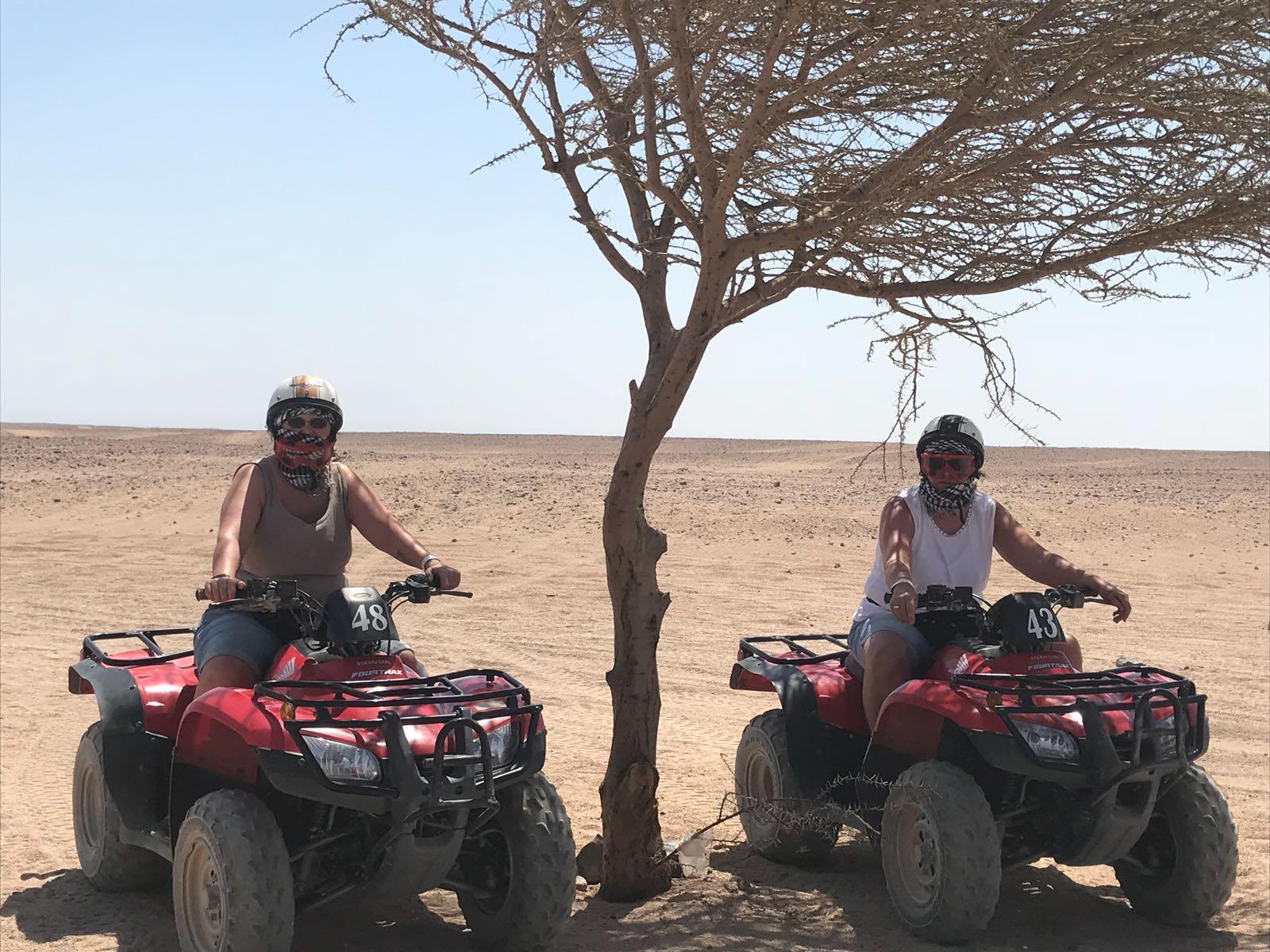 Quad ATV 4x4, Buggy,  Kamelreiten, Sterne beobachten & Abendessen ab Hurghada.