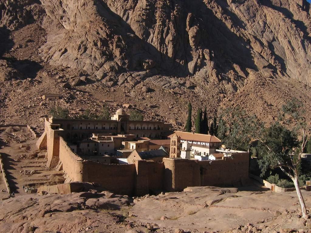 Tagesausflug zum Katharinenkloster mit Besuch von Dahab ab Sharm El Sheikh Hafen